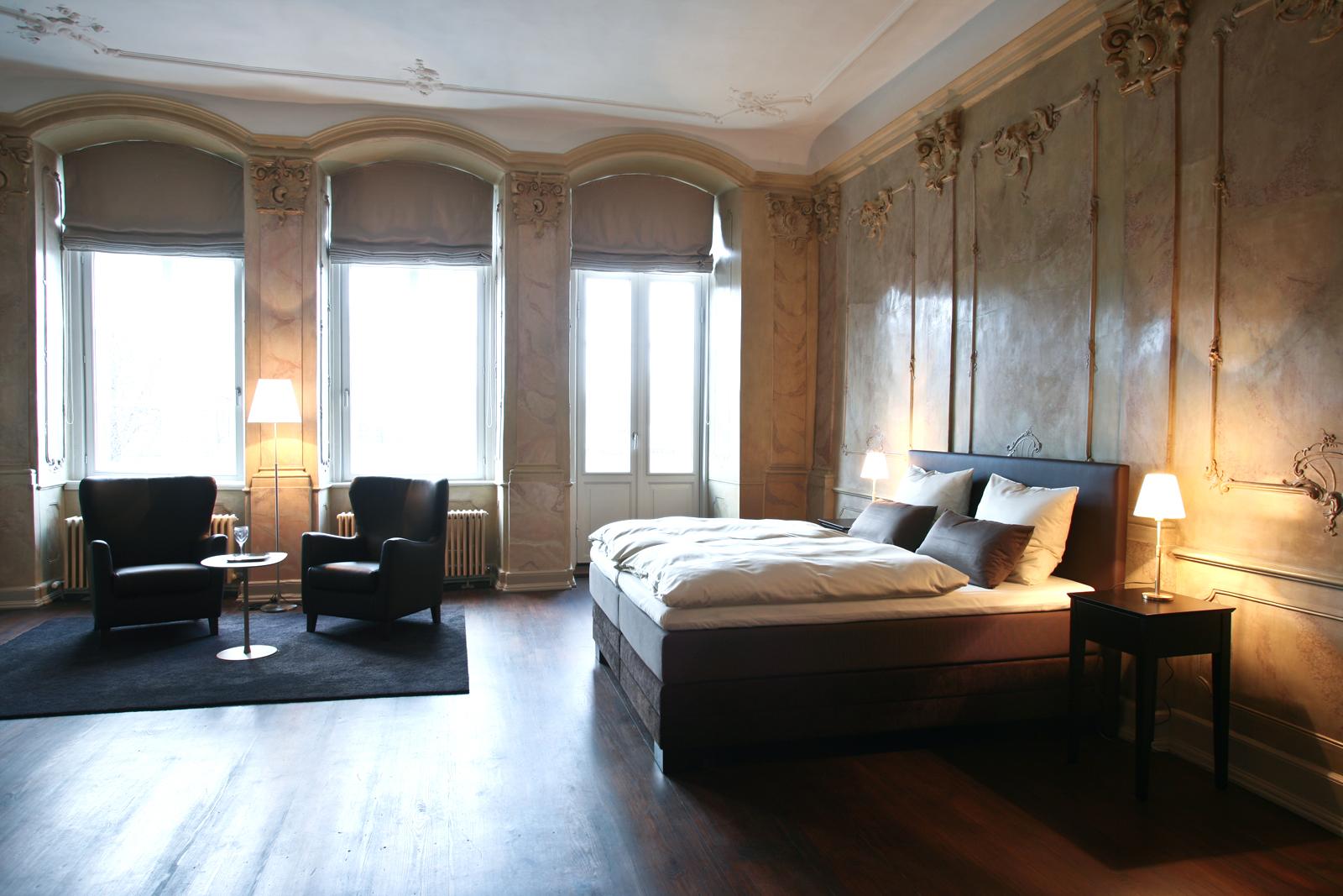 Exklusive einzigartige suiten hotel anno 1216 l beck for Exklusive hotels